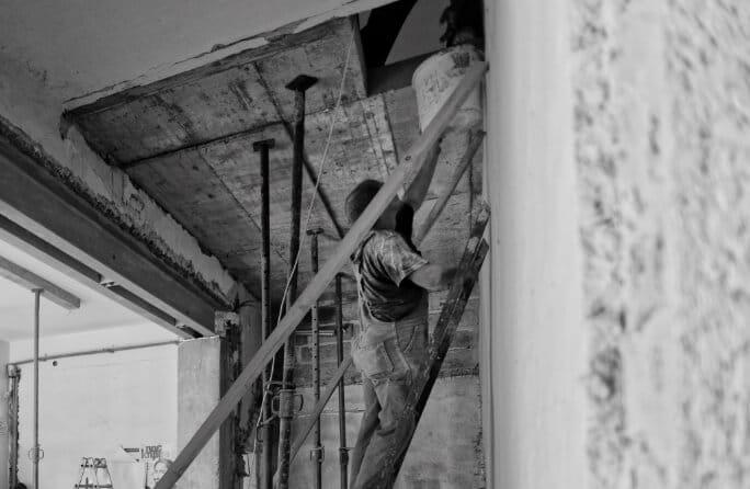 天井や壁が腐って落ちてきた…!